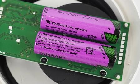 Fest verbaute 3,6V Batterien im Genius Plus X