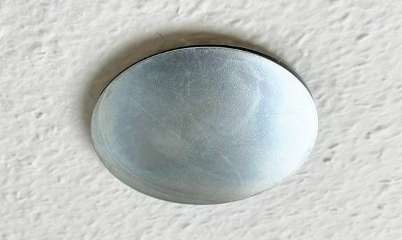 Rauchmelder Magnet an der Decke